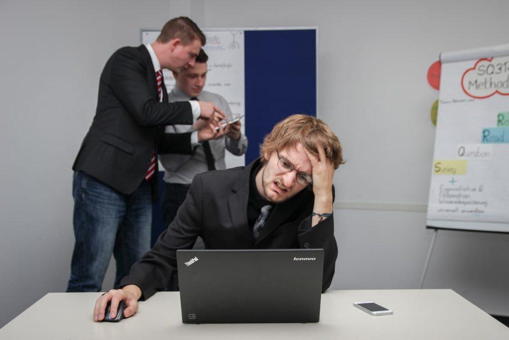 Dor de cabeça num site e vendas