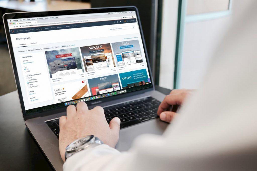 páginas ilimitadas na criação de um site